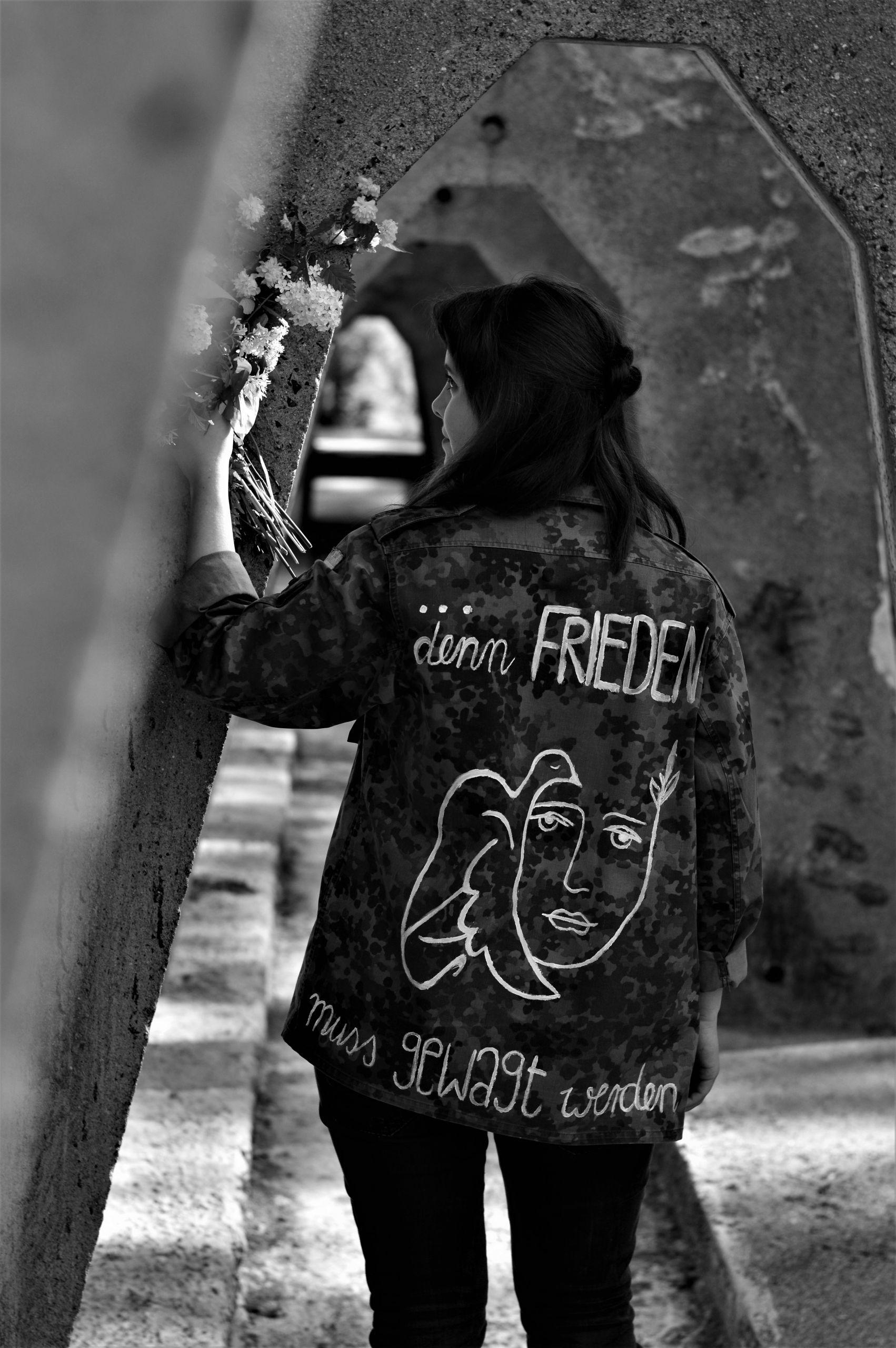 """Sarah Fiedler, """"Denn Frieden"""""""